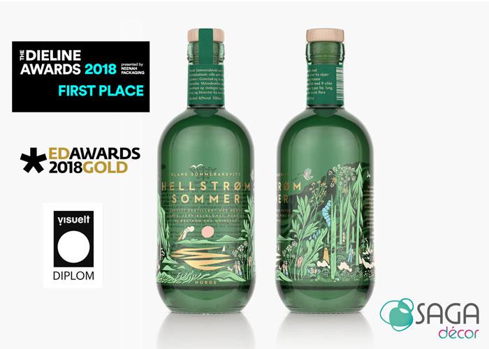 La bouteille HELLSTRØM SOMMER AQUAVIT récompensée au Dieline Rewards 2018 pour sa première place et gold edawards