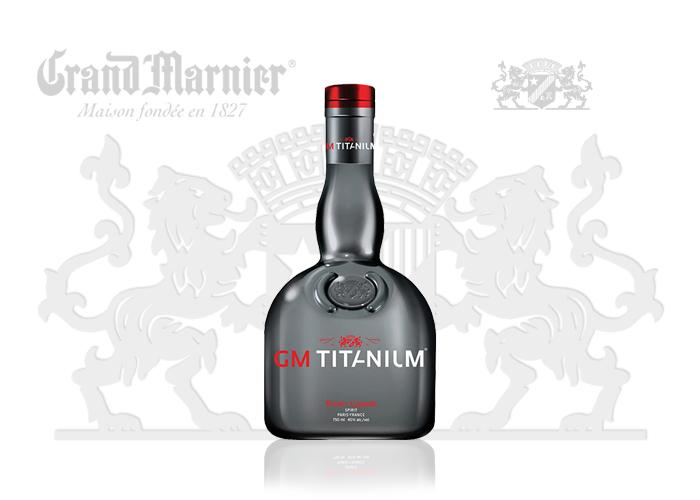Laquage SAGA Décor peinture bouteille verre Marnier Titanium